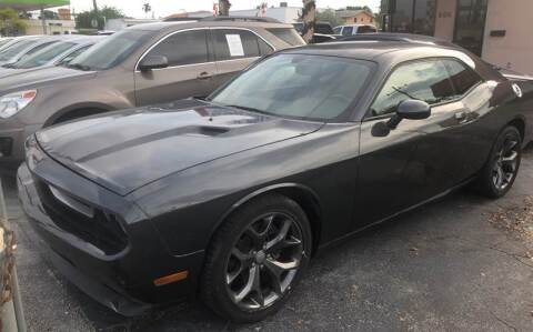 2014 Dodge Challenger for sale at Global Motors in Hialeah FL