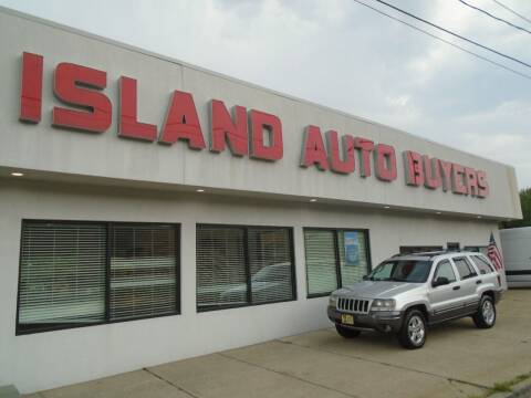 2004 Jeep Grand Cherokee for sale at Island Auto Buyers in West Babylon NY