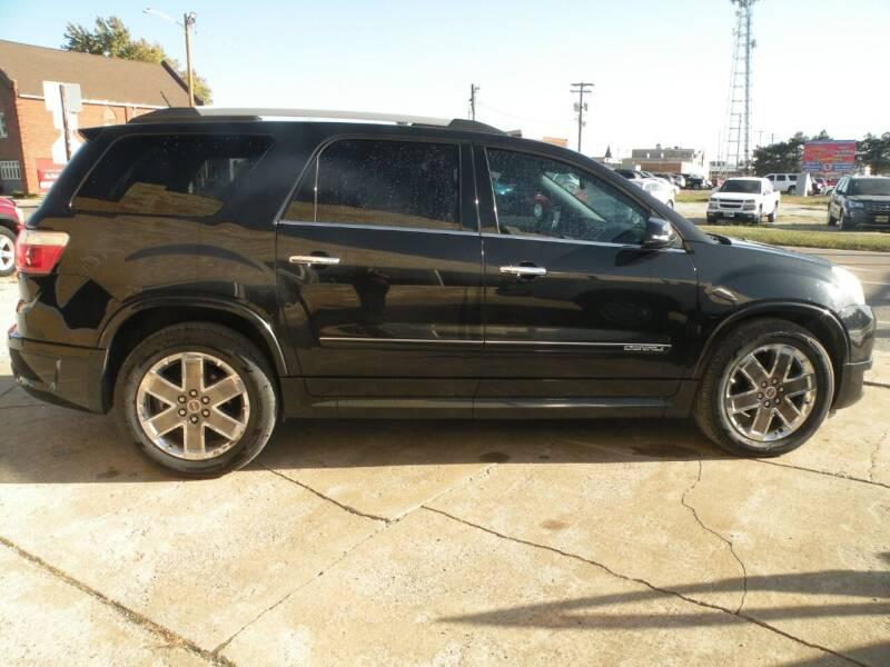 2011 GMC Acadia for sale at Kingdom Auto Centers in Litchfield IL