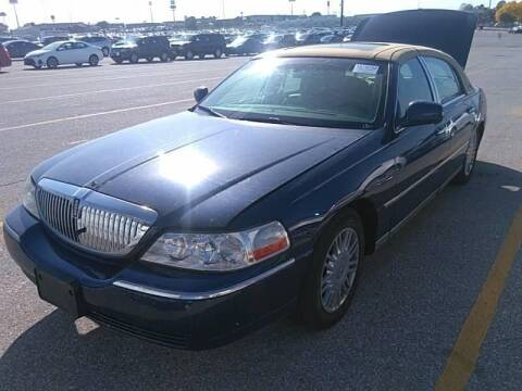 2007 Lincoln Town Car for sale at Cars Now KC in Kansas City MO