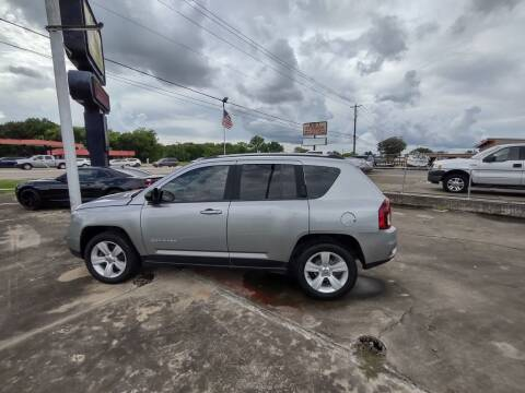 2016 Jeep Compass for sale at BIG 7 USED CARS INC in League City TX