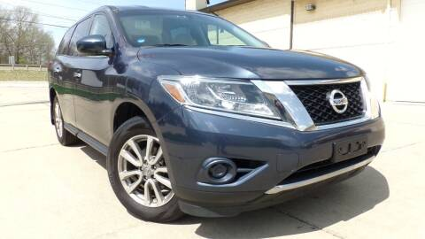 2014 Nissan Pathfinder for sale at Prudential Auto Leasing in Hudson OH