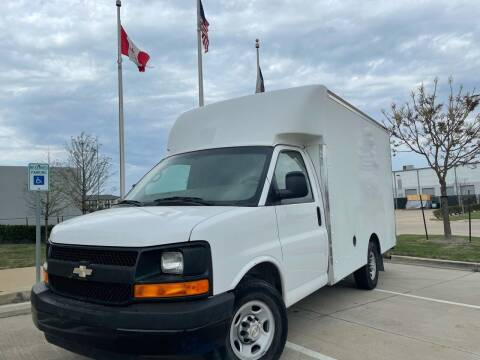 2008 Chevrolet Express Cutaway for sale at TWIN CITY MOTORS in Houston TX