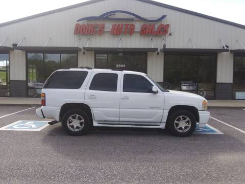2001 GMC Yukon for sale at DOUG'S AUTO SALES INC in Pleasant View TN