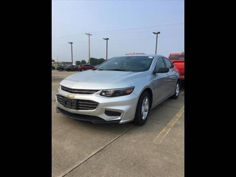 2018 Chevrolet Malibu for sale at LANDMARK OF TAYLORVILLE in Taylorville IL