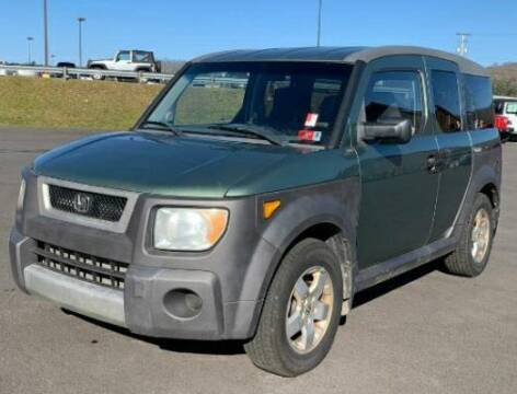 2005 Honda Element for sale at BSA Pre-Owned Autos LLC in Hinton WV