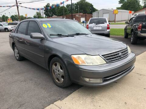 2003 Toyota Avalon for sale at Wise Investments Auto Sales in Sellersburg IN