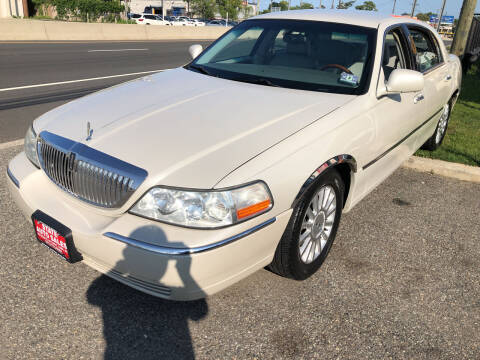 2004 Lincoln Town Car for sale at STATE AUTO SALES in Lodi NJ