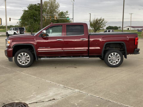 2015 GMC Sierra 2500HD for sale at LANDMARK OF TAYLORVILLE in Taylorville IL