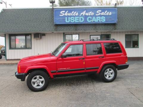 2001 Jeep Cherokee for sale at SHULTS AUTO SALES INC. in Crystal Lake IL