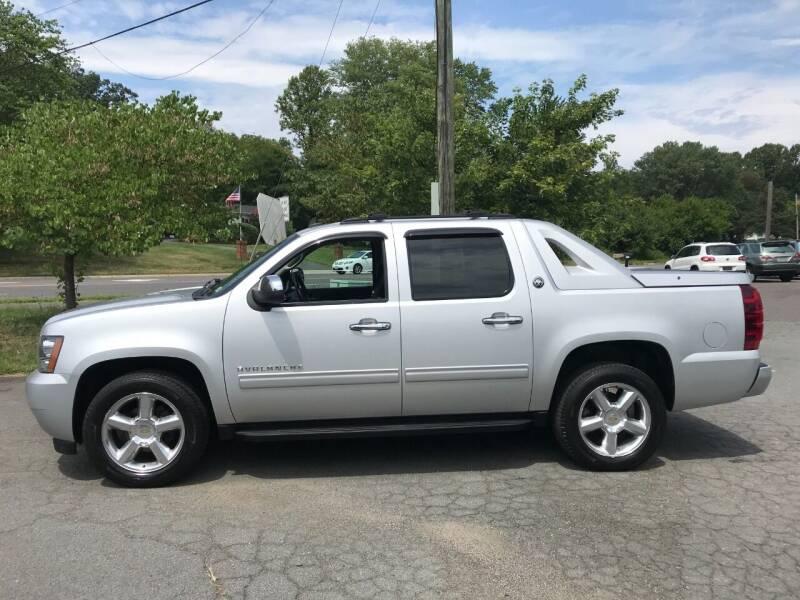 2013 Chevrolet Avalanche for sale at ABC Auto Sales (Culpeper) in Culpeper VA