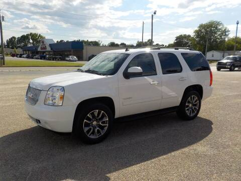 2010 GMC Yukon for sale at Young's Motor Company Inc. in Benson NC
