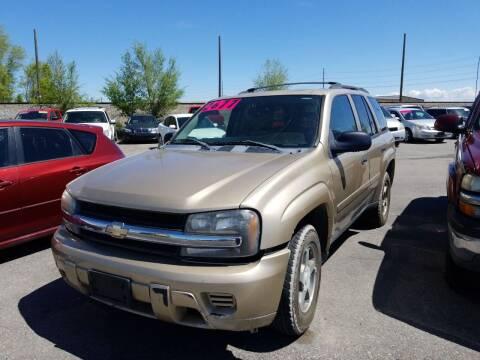 2006 Chevrolet TrailBlazer for sale at BELOW BOOK AUTO SALES in Idaho Falls ID