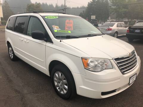 2009 Chrysler Town and Country for sale at Freeborn Motors in Lafayette, OR
