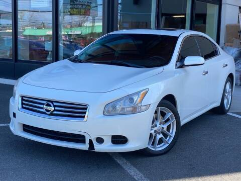 2013 Nissan Maxima for sale at MAGIC AUTO SALES in Little Ferry NJ