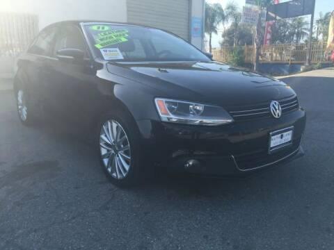 2011 Volkswagen Jetta for sale at Auto Land in Bloomington CA