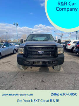 2005 Ford F-250 Super Duty for sale at R&R Car Company in Mount Clemens MI