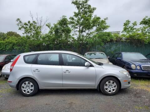 2010 Hyundai Elantra Touring for sale at M & M Auto Brokers in Chantilly VA