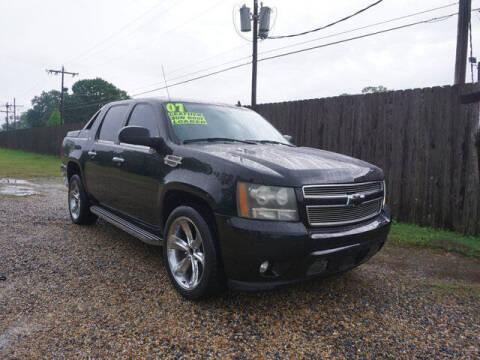 2007 Chevrolet Avalanche for sale at BLUE RIBBON MOTORS in Baton Rouge LA