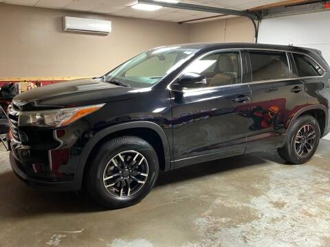 2015 Toyota Highlander for sale at Victoria Pre-Owned in Victoria TX