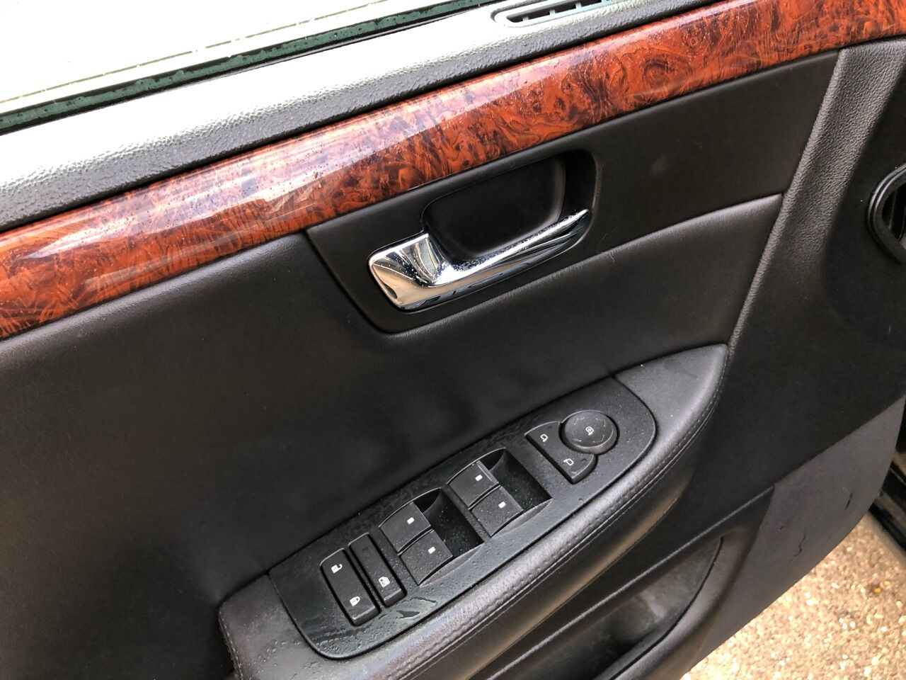 2006 Cadillac DTS Pro 4dr Car