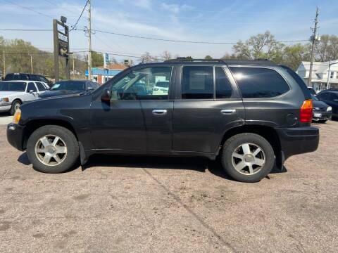 2005 GMC Envoy for sale at RIVERSIDE AUTO SALES in Sioux City IA