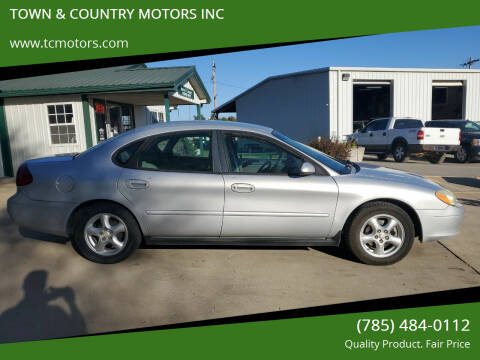 2002 Ford Taurus for sale at TOWN & COUNTRY MOTORS INC in Meriden KS