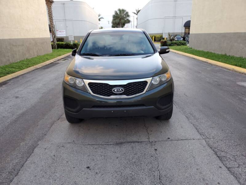 2013 Kia Sorento for sale at INTERNATIONAL AUTO BROKERS INC in Hollywood FL