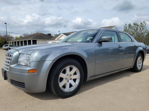 2006 Chrysler 300 for sale at CarNation Auto Group in Alliance OH