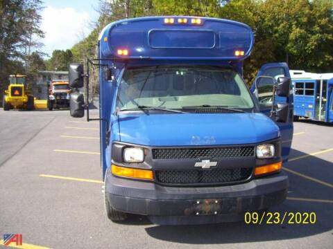 2006 Chevrolet Express Cutaway for sale at GLOVECARS.COM LLC in Johnstown NY