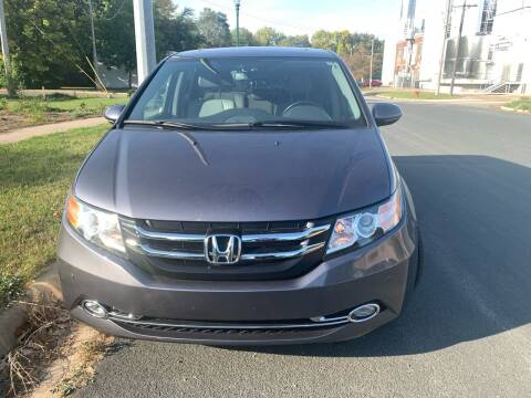 2015 Honda Odyssey for sale at ONG Auto in Farmington MN