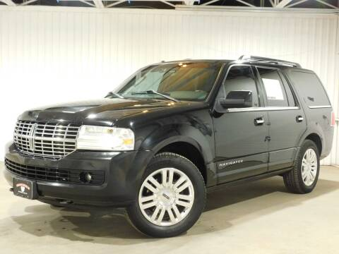 2012 Lincoln Navigator for sale at Bulldog Motor Company in Borger TX