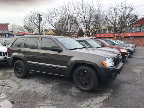 2005 Jeep Grand Cherokee for sale at Chambers Auto Sales LLC in Trenton NJ