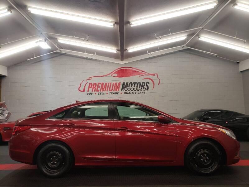 2011 Hyundai Sonata for sale at Premium Motors in Villa Park IL