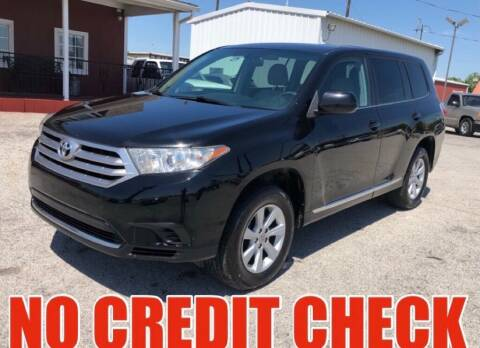 2013 Toyota Highlander for sale at Decatur 107 S Hwy 287 in Decatur TX