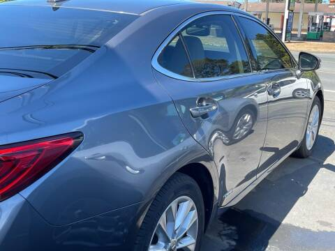 2013 Lexus ES 300h for sale at HARE CREEK AUTOMOTIVE in Fort Bragg CA