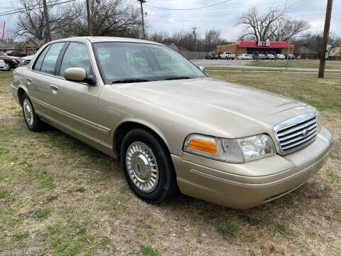 1999 Ford Crown Victoria for sale at Texas Select Autos LLC in Mckinney TX