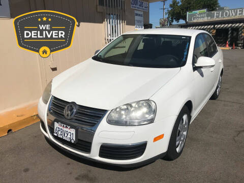 2009 Volkswagen Jetta for sale at ZOOM CARS LLC in Sylmar CA