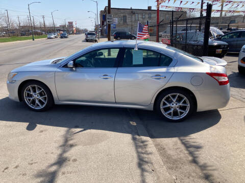 2009 Nissan Maxima for sale at RON'S AUTO SALES INC in Cicero IL