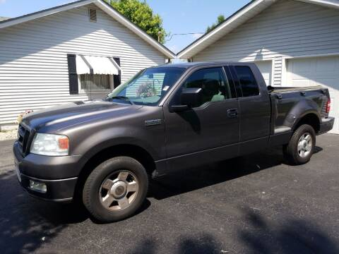 2004 Ford F-150 for sale at CALDERONE CAR & TRUCK in Whiteland IN