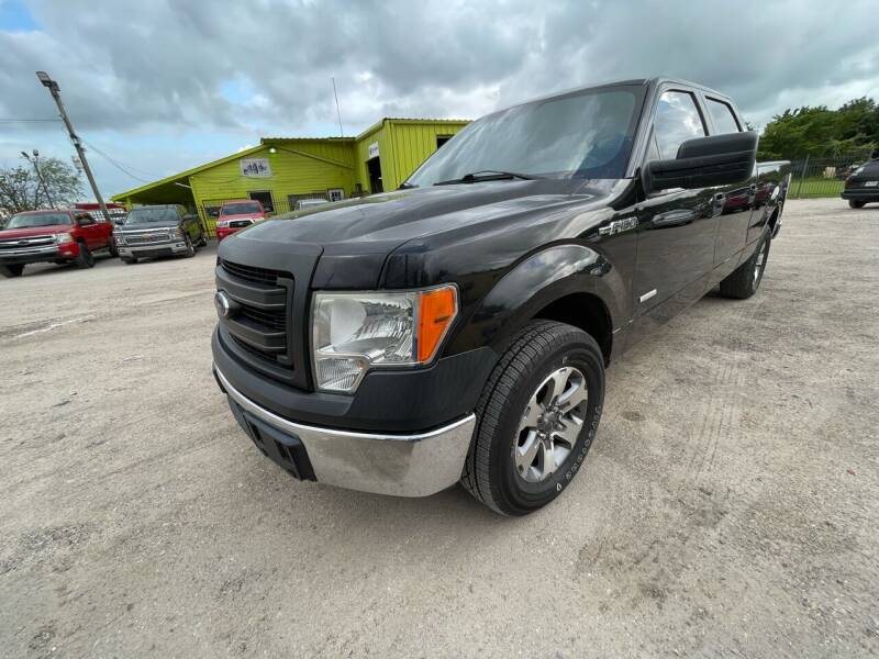 2013 Ford F-150 for sale at RODRIGUEZ MOTORS CO. in Houston TX