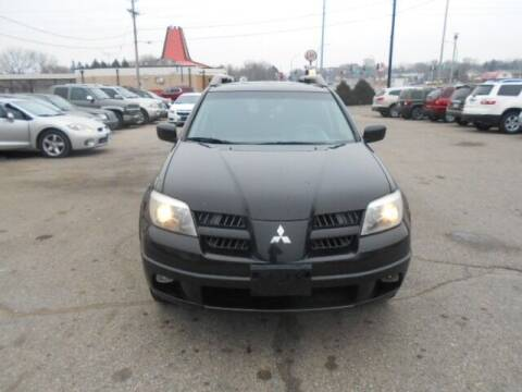2005 Mitsubishi Outlander for sale at SPECIALTY CARS INC in Faribault MN