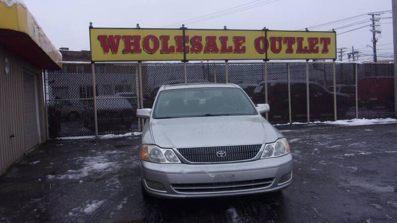 2000 Toyota Avalon for sale at LONG BROTHERS CAR COMPANY in Cleveland OH