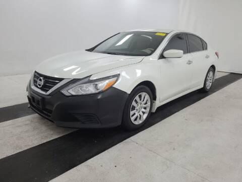 2017 Nissan Altima for sale at HERMANOS SANCHEZ AUTO SALES LLC in Dallas TX