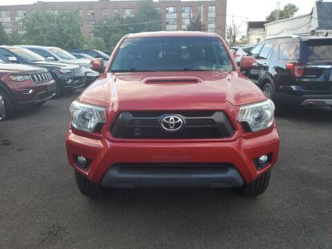2015 Toyota Tacoma for sale at OFIER AUTO SALES in Freeport NY