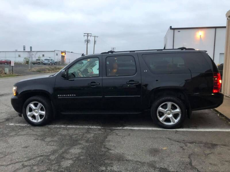 2007 Chevrolet Suburban for sale at CR Garland Auto Sales in Fredericksburg VA