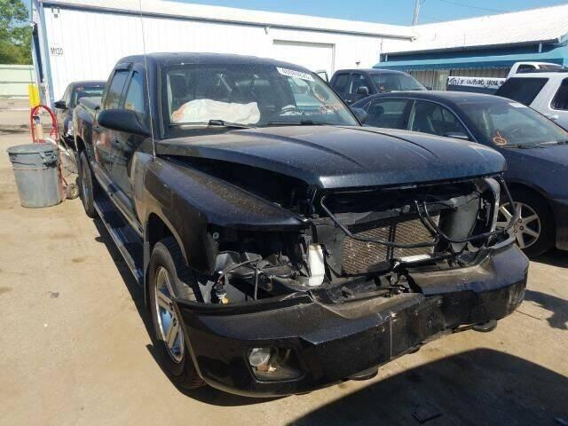 2008 Dodge Dakota for sale at Varco Motors LLC - Builders in Denison KS