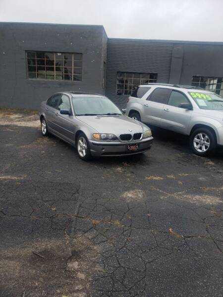 2004 BMW 3 Series 325xi