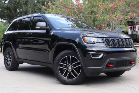 2017 Jeep Grand Cherokee for sale at SELECT JEEPS INC in League City TX