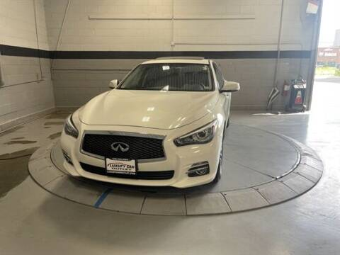 2015 Infiniti Q50 for sale at Luxury Car Outlet in West Chicago IL